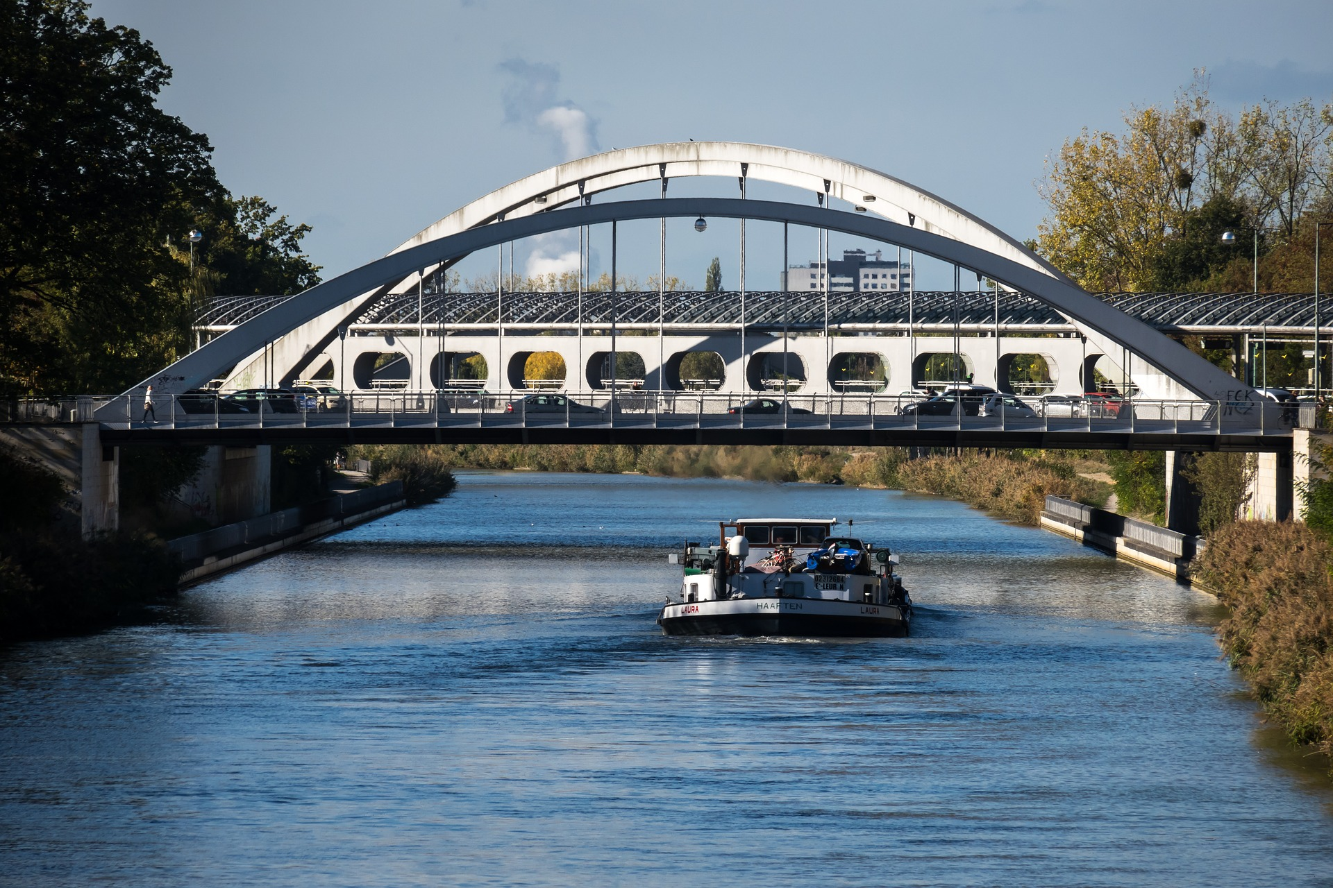 DEFRA issues FAQs for inland waterway users